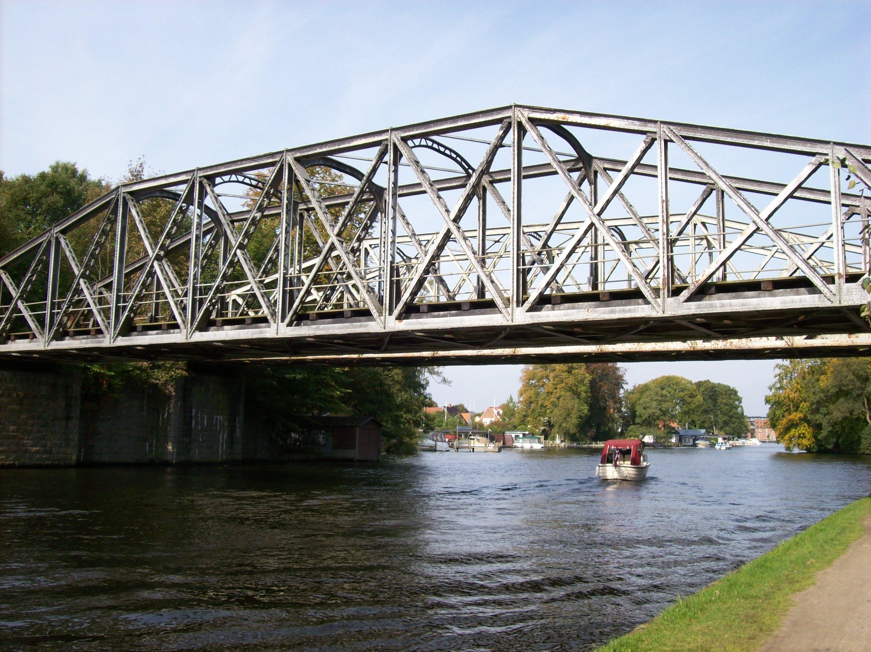 Den gamle jernbanebro …